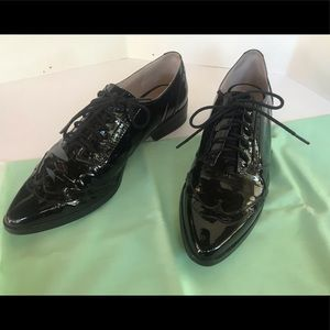 Louise et Cie black patent leather oxfords 10